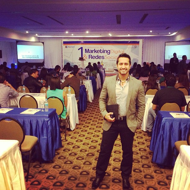 1er Congreso de Marketing y redes sociales - Francisco Urdaneta